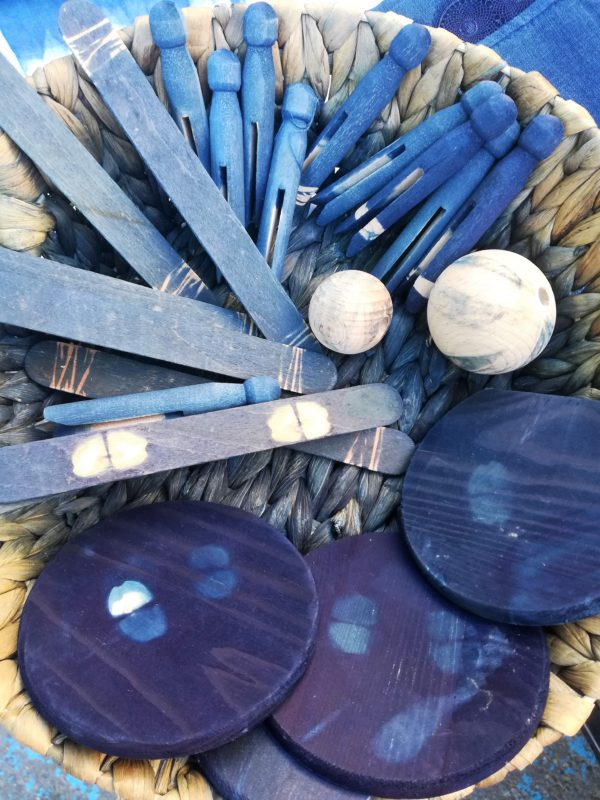 photo du matériel pour faire des shibori